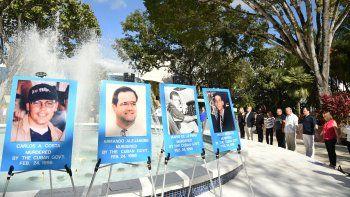 En la Univeridad Internacional de la Florida se reunen familiares, amigos y simpatizantes de los piltos de Hermanos al Rescate.