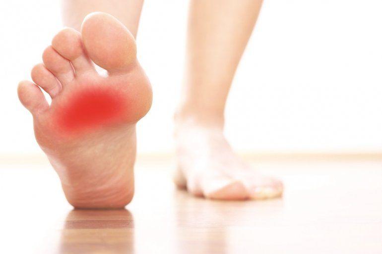 En pie dedo del gordo entumecimiento puede causar izquierdo? el ¿Qué