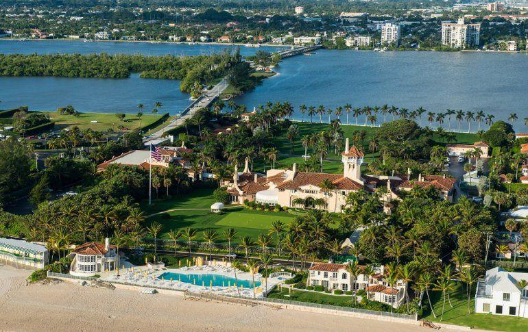 Vista Aérea De Mar A Lago La Casa Blanca Invierno Donald Trump En Condado Palm Beach Florida Captura Video