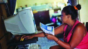 Los hogares cubanos pueden usar internet costeado desde el exterior.