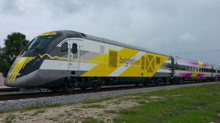 La velocidad estimada del moderno tren entre West Palm Beach y Fort Lauderdale será 79 mph