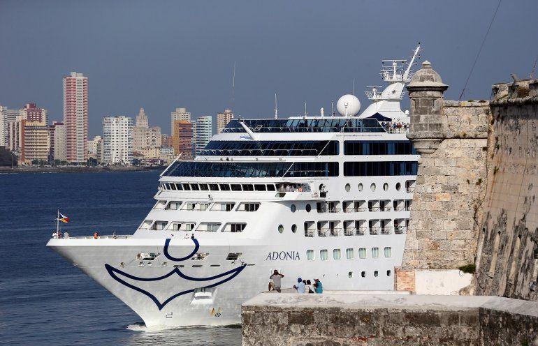El buque Adonia