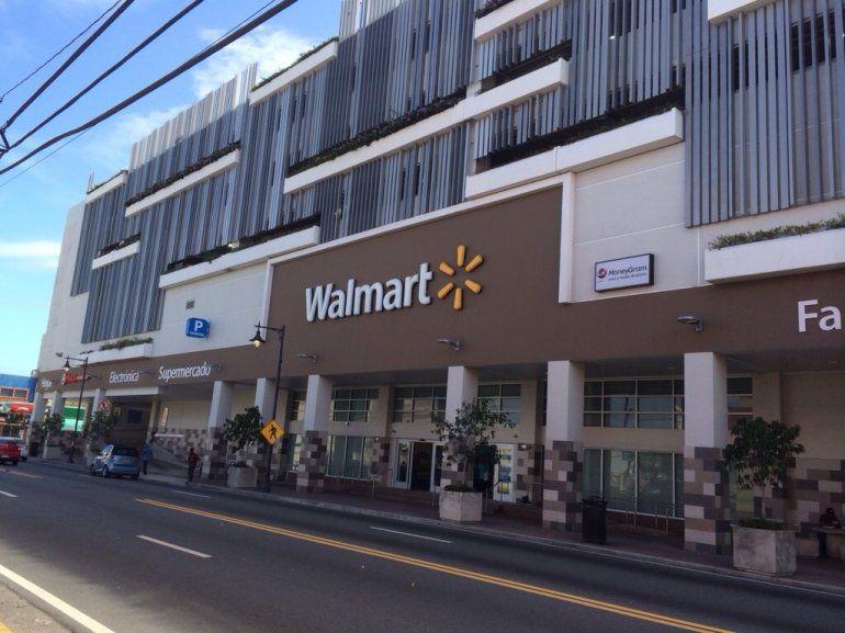 ef9d5dcfe Gobernador de Puerto Rico critica que Walmart no aumente los ...