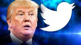 Donald Trump mantiene dos cuentas, la oficial de presidencia @POTUS, y también @realDonaldTrump.
