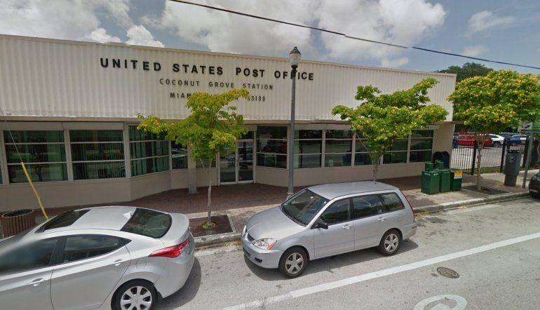 Vista de una oficina del servicio de correo postal de EEUU en Miami.