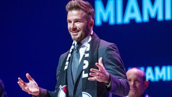 El exfutbolista británico David Beckham habla durante la presentación oficial del proyecto de equipo que representará a Miami en la MLS.