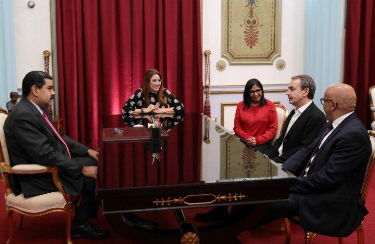 El expresidente español fue recibido por el dictador Nicolás Maduro el pasado lunes 5 de febrero. Fotografía cedida por la oficina de prensa del Palacio de Miraflores.