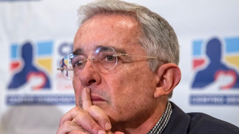 El expresidente y senador colombiano ÁlvaroUribeVélez.
