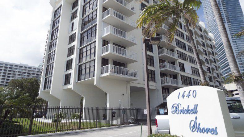 Edificio Brickell Shores,localizado en el 1440 de Brickell Bay Dr, del llamado distrito financiero de Miami.