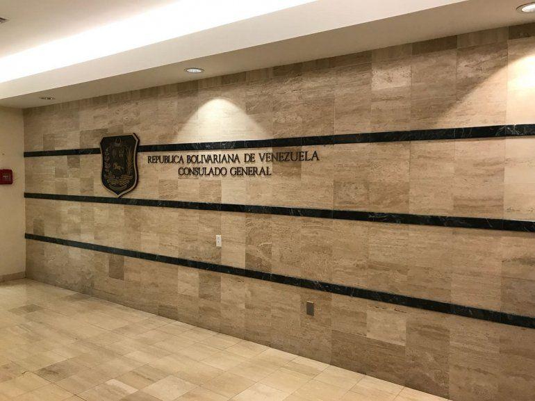 Vista exterior del Consulado de Venezuela en Miami.