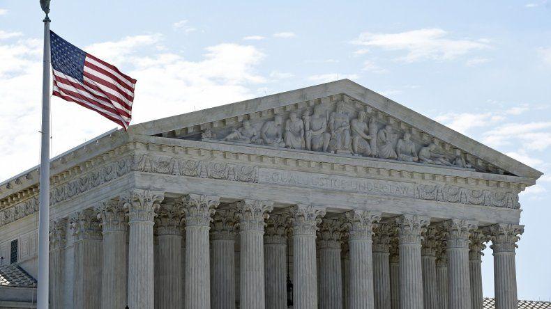 Corte Suprema de EEUU invalida ley que exigía deportación ...
