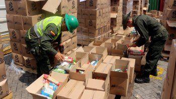Autoridades colombianas también decomisaron recientemente 400 cajas Clap en el puerto de Cartagena de Indias quetenían harina, azúcar, pasta, arroz y que interna y externamente todos estaban con plagas.