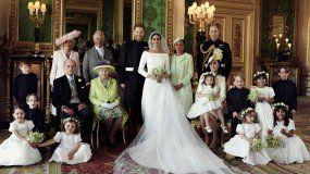 Las imágenes fueron captadas después de que el príncipe Enrique y Meghan recorrieran en carroza las calles de la localidad de Windsor, tras darse el sí, quiero en la capilla de San Jorge.