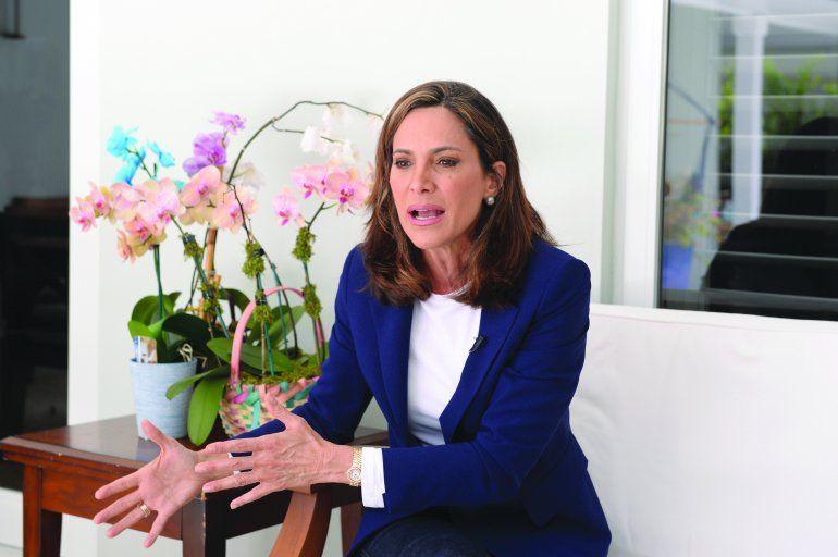 María Elvira Salazar, con su postulación a la Cámara por el distrito 27, hace su tránsito a la política dentro del Partido Republicano.