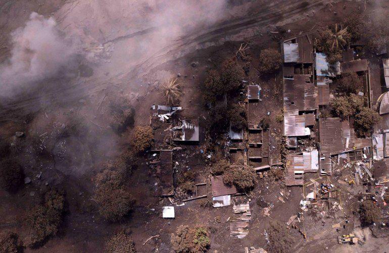 Vista aérea de una zona de San Miguel Los Lotes luego de la erupción del Volcán de Fuego