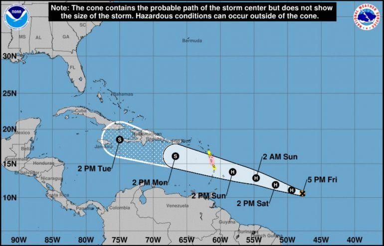 Mapa de posible trayectoria del huracán Beryl rumbo a las Antillas Menores.