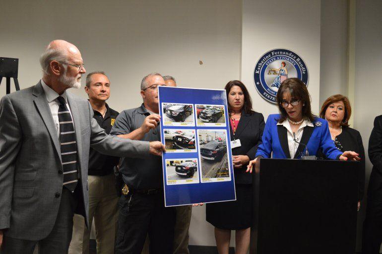 La fiscal Katherine Fernández Rundle explica cómo la banda de estafadores operaba.