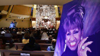 Este lunes se celebró una misa en la Ermita de la Caridad en honor a Celia Cruz a sus 15 años de su fallecimiento.