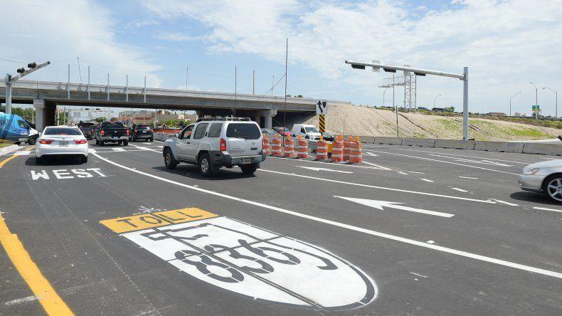 La nuevas sendasguían a los choferes por dónde circular para evitar el conflicto de entradas y salidas de la autopista.