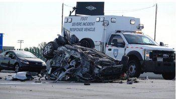 Los daños del vehículo impiden identificar la marca y el modelo.