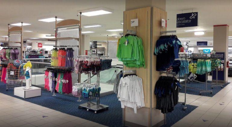 e87fa35f64986 Las ventas de liquidación en algunas de las tiendas comenzarán a partir del  30 de agosto.CORTESÍA CBS4