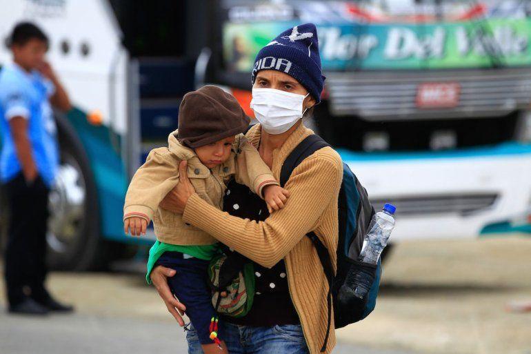 Venezolanos obligados a pasar varios días en un viaje colmado de dificultades.