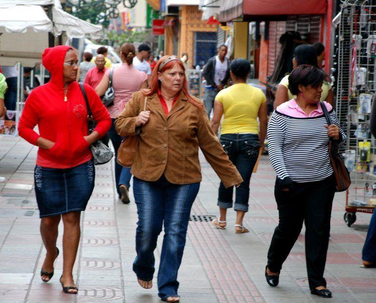 Un reciente estudio ha revelado que caminar se asocia inversamente con el desarrollo de insuficiencia cardiaca. Eso sugiere que mientras más se camine