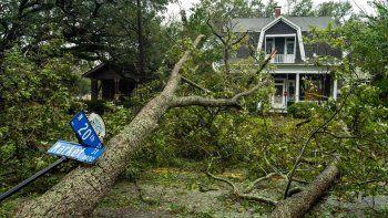 Cientos de miles de personas han tenido que ser evacuadas de sus hogares como consecuencia de los estragos del huracán Florence en los estados de Carolina del Norte y del Sur.