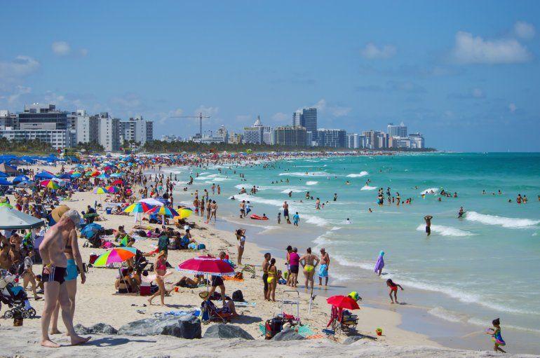 Vista Parcial De La Playa Miami Beach Jj HernÁndez Blanco
