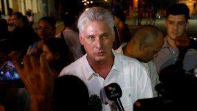 El designado gobernante cubano Miguel Díaz-Canel ofrece una entrevista al canal de noticias Telesur.