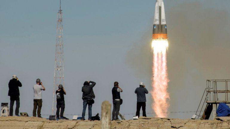 Lanzamiento de la nave Soyuz MS-10 desde el cosmódromo de Baiknour, en Kazajistán, el 11 de octubre de 2018.