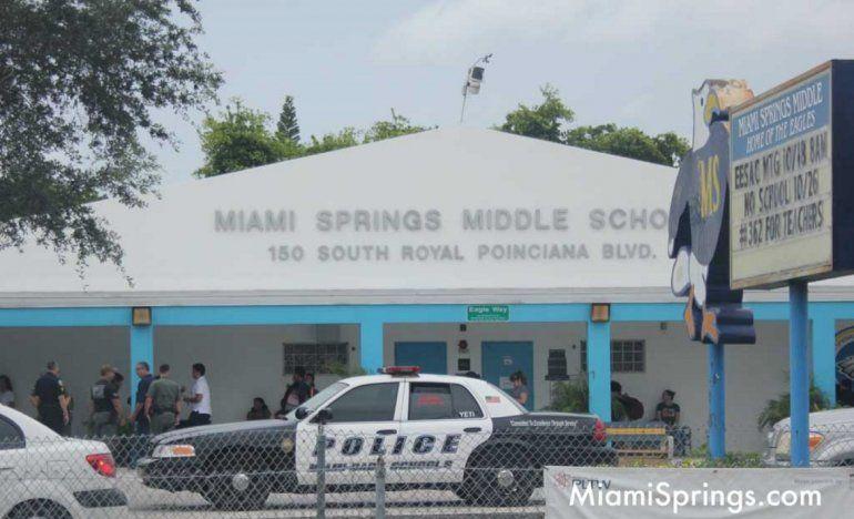El Departamento de Policía de las escuelas públicas de Miami-Dade investigó las amenazas contra Miami Springs Middle School.