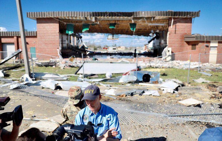 La devastación en el condado Bay ha sido enorme, aseguró el gobernador de la Florida Rick Scott.