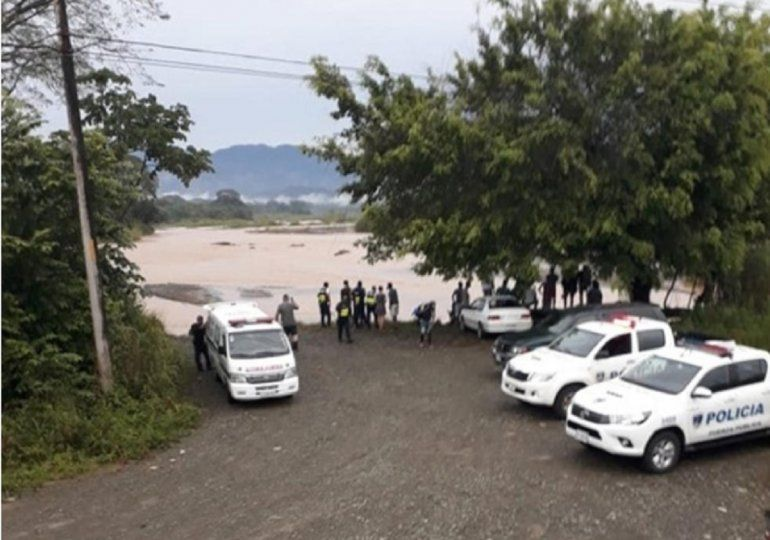 <p>Tres balsas se volcaron en el río Naranjo cerca de las tres de la tarde del sábado.</p>