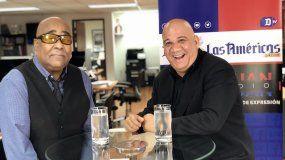 Juan Juan Almeida entrevista al músico cubano Luis Bofill.