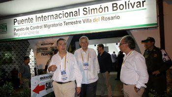 Una misión compuesta por delegados de 17 Estados miembros de la OEA, visitóeste luneslos dos principales pasos fronterizos de Colombia conVenezuela.