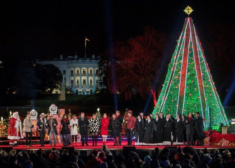 Vista de la ceremonia de iluminación del Árbol Nacional de Navidad en la Casa Blanca, en Washington.