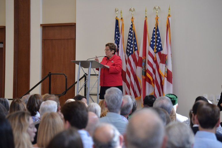 Donna Shalala dijo que en el Congreso de EEUU trabajará para representar los valores del distrito 27 y traducir eso en políticas concretas hacia la comunidad.