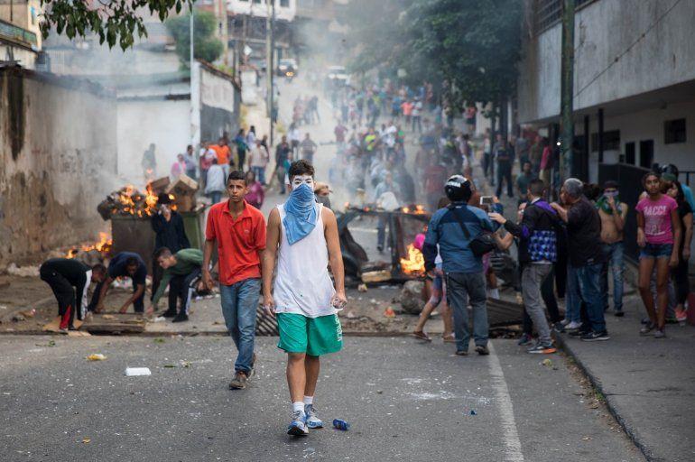 Los venezolanos salieron a apoyar al grupo de militares que se había rebelado contra el Gobierno de Nicolás Maduro.