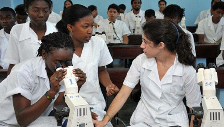 Estudiantes kenianos de Medicina exigen a La Habana el pago de su  estipendio íntegro | Cuba