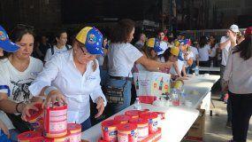 Donaciones voluntarias para la nación caribeña en una jornada de ayuda humanitaria en Miami.