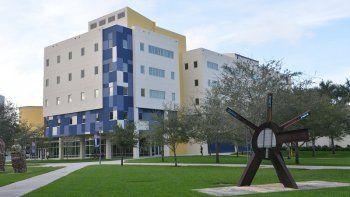 Vista parcial de Florida International University.