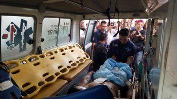 Los indígenas heridos de bala durante el enfrentamiento de esta madrugada son trasladados desde el Hospital de Santa Elena de Uairén hacia Brasil, ya que, no hay medicamentos ni insumos para atenderlos, segpun denunció el diputado venezolano Ángel Medina.