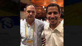 Juan Guaidó (der.), presidente encargado de Venezuela, junto a Miguel Ángel Martín, presidente del TSJ venezolano en el exilio.
