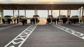 Efectivos de la Guardia Nacional Bolivarianaen el puente binacional de Tienditas, en la frontera con Colombia.