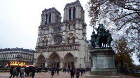 Fachada de la Catedral Notre Dame, París.