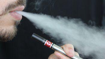 La autoridad estatal de la Florida asegura que el 25% de los jóvenes fuma cigarrillos electrónicos.
