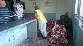 Vista de un establecimiento para la venta de carne en La Habana, Cuba.