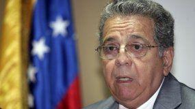 Fotografía de archivo fechada en 2010 del chavista Isaías Rodríguez.