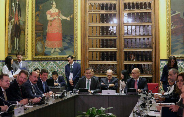 Imagen de archivo de la reunión de ministros de Relaciones Exteriores de los países miembros del Grupo de Limaal momento de posponer su reunión en Guatemala sobre la crisis de Venezuela.